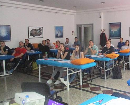 Studenti na Obuic za Ciriax koncept