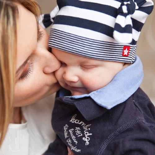 majak ljubi bebu